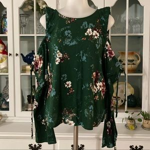 NWT H&M Cold Shoulder long-sleeve top